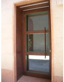 GLASSED DOOR 31